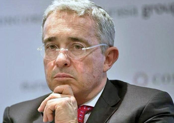 Uribe triste